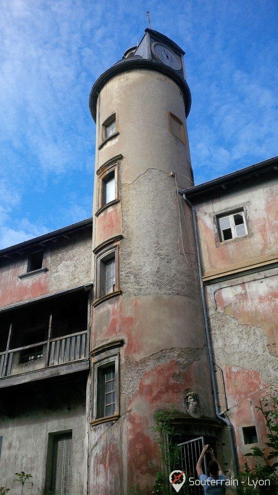chateau abandonné