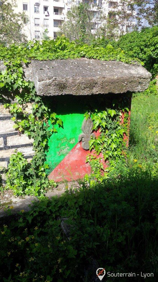 chateau de la mothe abandonné