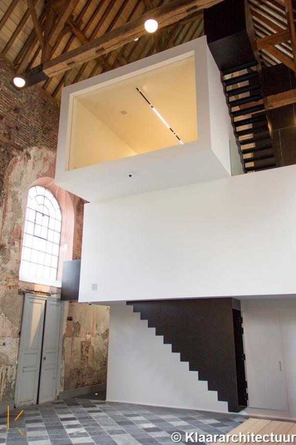the waterdog l tonnante r novation de la chapelle de waterhond. Black Bedroom Furniture Sets. Home Design Ideas