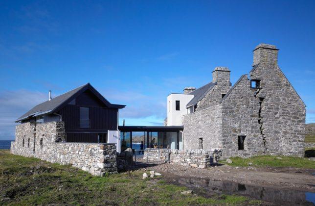 Restauration de ruines maison Blanche en Écosse par WT Architecture