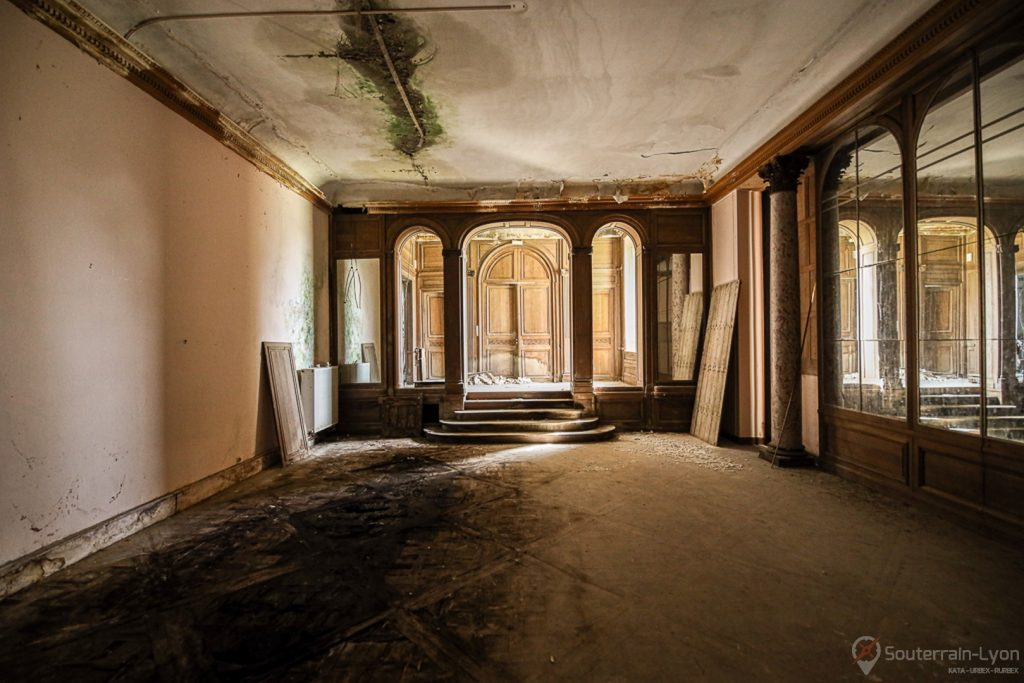 chateau bijou abandonné 8