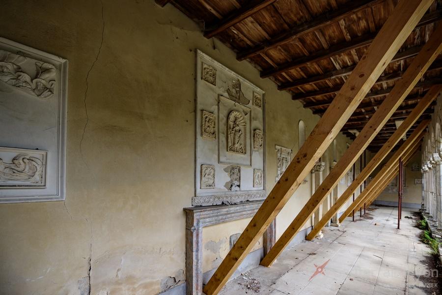 cloitre et chapelle abandonné 2