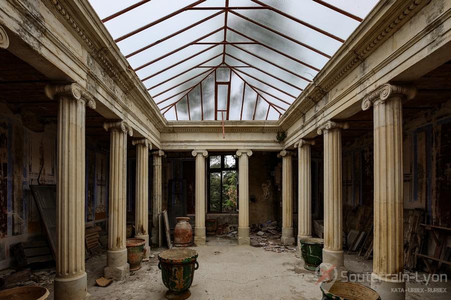 cloitre et chapelle abandonné 7