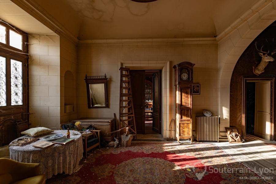 hall chateau secret