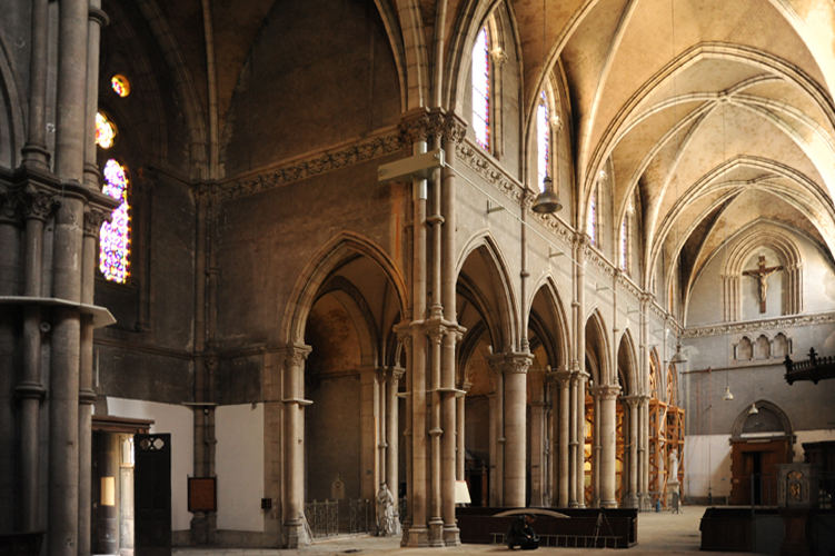 Intérieur Église Saint Bernard