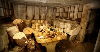 laboratoire abandonné sous la montagne