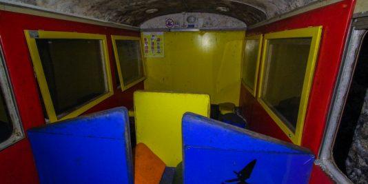 le tunnel du petit train rouge
