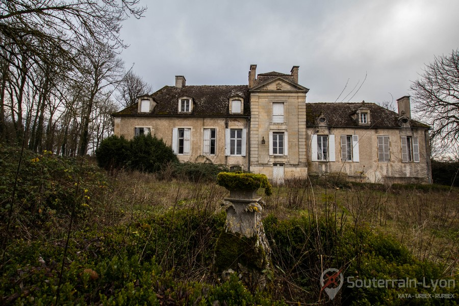 Château Assassin's Creed   Chateau abandonné - Urbex