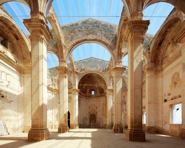 Restauration de ruines eglise à Tarragone par Ferran Vizoso Architecture