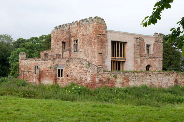 Restauration de ruines le château d'Astley par Witherford Watson Mann Architects