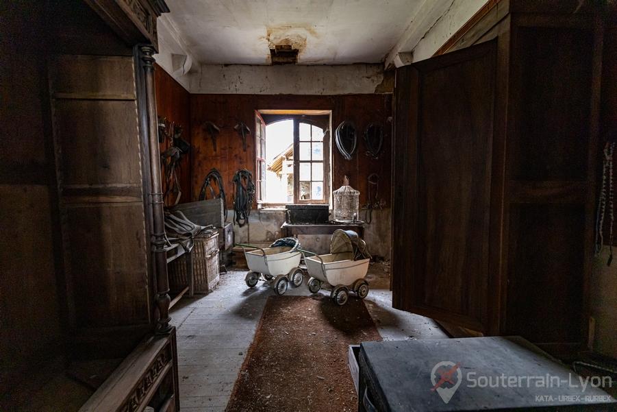 abandoned castkle france urbex