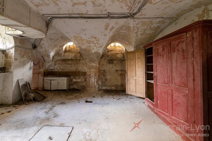 château abandonné france 11