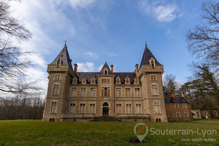 château abandonné france 12