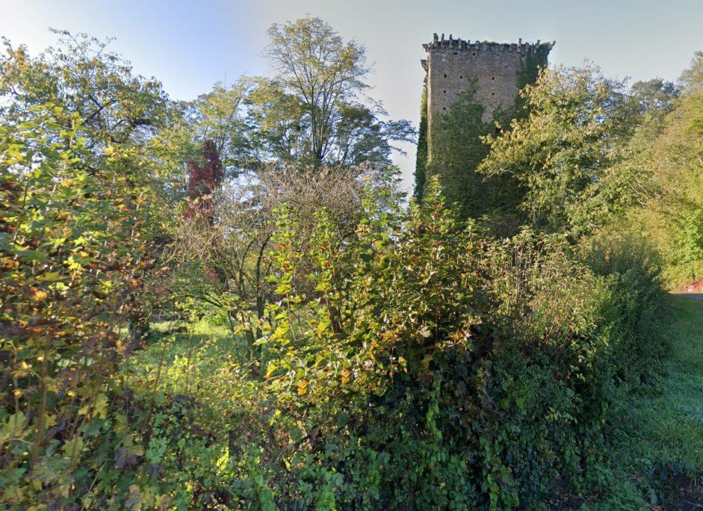 chateau fort abandonné