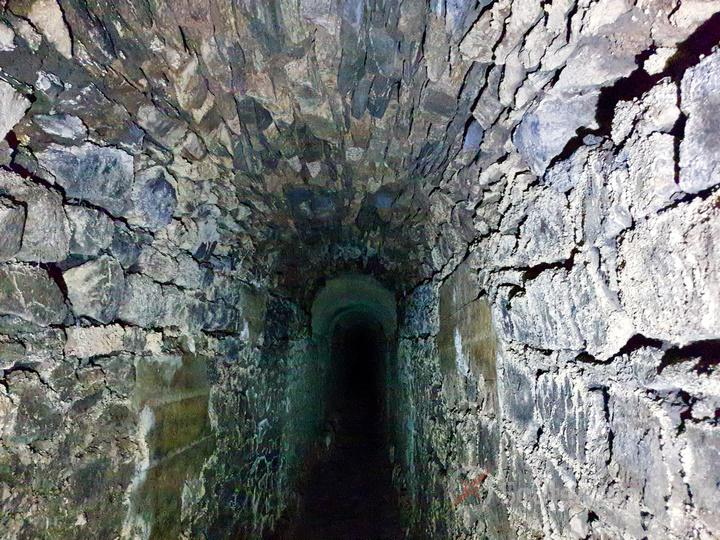 le souterrain Cloaca Exploration égout romain Lyon 10